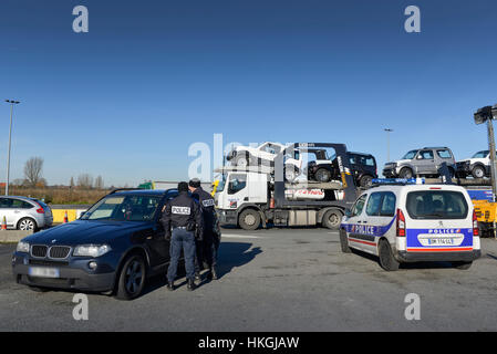Roadside check by the French Border Police (PAF) along the highway A22 in Rekkem - Stock Photo
