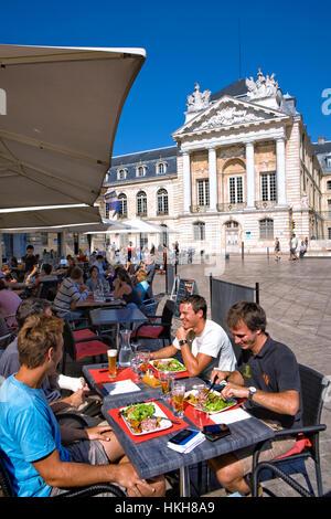 the place de la Liberation and the Palais des ducs de Bourgogne in Dijon - Stock Photo