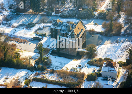 Castle Schloss Höllinghofen in winter, ice, winter light, Arnsberg, Neheim-Hüsten, Sauerland, North Rhine-Westphalia, - Stock Photo