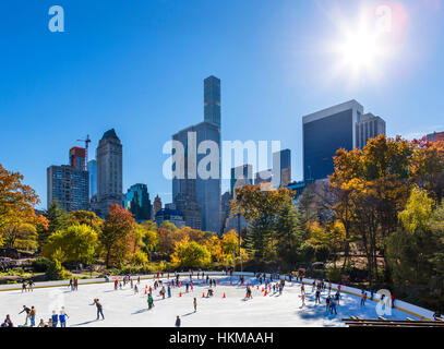 Central Park, New York City. The Wollman Ice Rink in the fall, Manhattan, NY, USA - Stock Photo