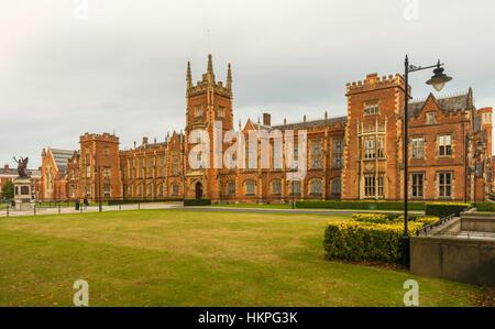 The Lanyon Building of Queen's University Belfast, chartered in 1845, in University Road, Belfast, Northern Ireland. - Stock Photo