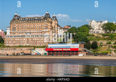 The Grand Hotel is a large hotel in Scarborough, England, overlooking the town's South Bay. It is now a Grade II* - Stock Photo