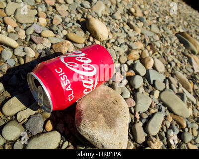 Coke can Rubbish litter Drinks can - Stock Photo