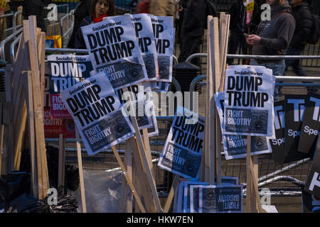 London, UK. 30th January, 2017. Amnesty International take part in London protest against Donald Trump's ban on - Stock Photo