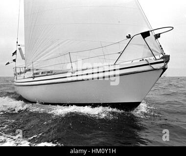 AJAXNETPHOTO. 6TH JUNE, 1976. PLYMOUTH, ENGLAND. - OSTAR 1976 - GERMAN ENTRY LILLIAM SKIPPERED BY KLAUS SCHRODT. - Stock Photo