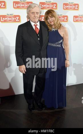 Cologne, Germany. 30th Jan, 2017. Actors Rutger Hauser (L) and Nastassja Kinski at the Lambertz Monday Night event - Stock Photo
