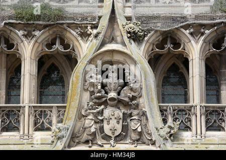 Blason. Cathédrale Notre-Dame de Senlis. Senlis. France.