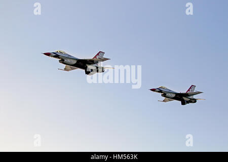 Airplanes US Air Force Thunderbirds F-16 fighters - Stock Photo