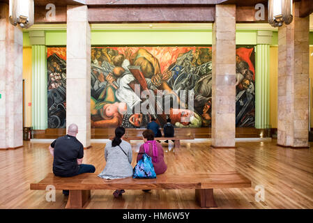 Mural by jose clemente orozco in in the stairwell of for Sanborns palacio