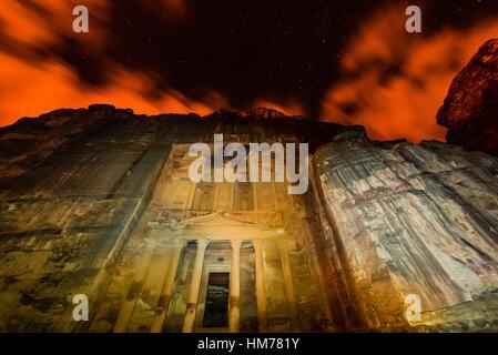 The Treasury monument (Al-Khazneh) at night, Petra archaeological site (a UNESCO World Heritage site), Jordan. - Stock Photo