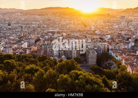France, Provence-Alpes-Cote d'Azur, Marseille, Cityscape at dusk - Stock Photo
