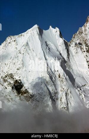 Aiguille Blanche de Peuterey (4112 m), Mont Blanc massif, Valle d'Aosta, Italy. - Stock Photo