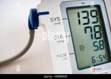 Tension arterial, aparato, medicina, Blood pressure, machine, medicine, health. - Stock Photo