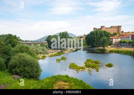 River Tormes and castle. El Barco de Avila, Avila province, Castilla Leon, Spain. - Stock Photo
