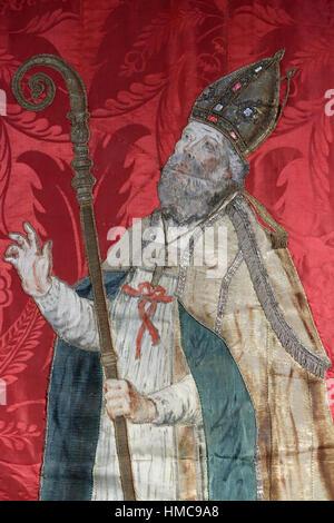 Bannière de procession de Saint-Nicolas. Tissus brodé et peint. 1769. Musée d'Art Sacré de Saint Nicolas de Véroce. - Stock Photo
