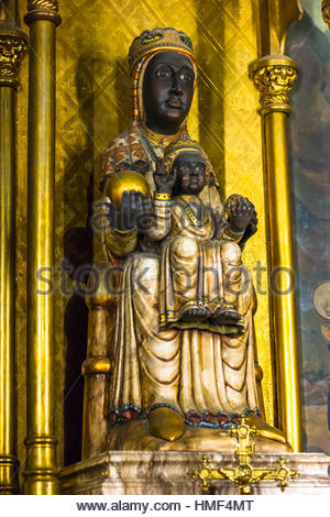 Statue of the Virgin Mary inside the cathedral in Barcelona, Catalonia, Spain. - Stock Photo