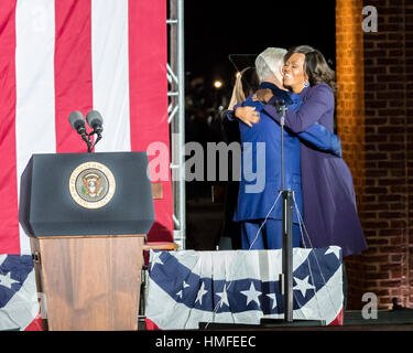 NOVEMBER 7, 2016, INDEPENDENCE HALL, PHIL., PA - President Bill Clinton hugs First Lady Michelle Obama at Election - Stock Photo