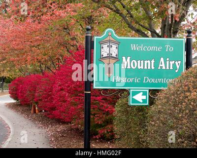 Historic District welcome sign to Mount Airy North Carolina. - Stock Photo
