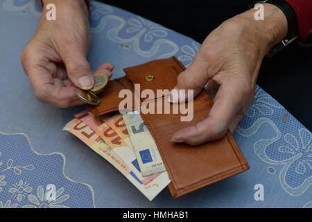 Woman, purse, pension, money, Frau, Portemonnaie, Rente, Geld - Stock Photo