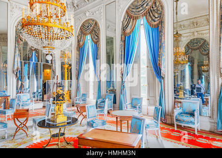 Palace of versailles trianon salon des malachites stock for Salon versailles 2016