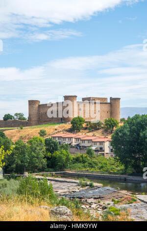 Valdecorneja castle and river Tormes. El Barco de Avila, Avila province, Castilla Leon, Spain. - Stock Photo