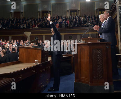 Washington, District of Columbia, USA. 21st Jan, 2015. US President Barack Obama waves as he arrives to deliver - Stock Photo