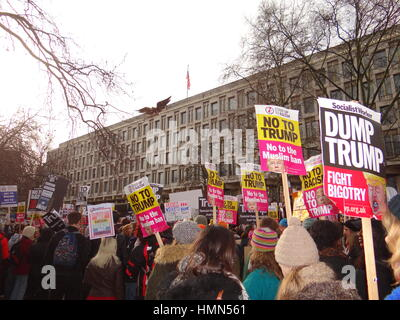 London, UK. 4th February, 2017. Anti ban Muslims protest at US Embassy in London, UK Credit: Nastia M/Alamy Live - Stock Photo