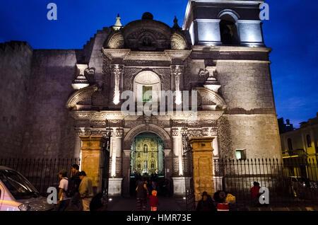 Iglesia de San Agustín (Arequipa, Peru). Arquitectura barroco mestizo en sillar (ignimbrita, piedra volcánica) Siglo - Stock Photo