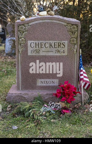 Wantagh, New York, USA. 5th Feb, 2017. CHECKERS (1952 - 1964), President Richard Nixon's pet dog, is buried in Bide - Stock Photo