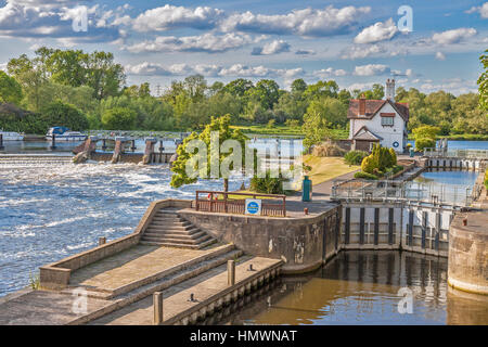 The Lock At Goring On Thames Oxfordshire UK - Stock Photo
