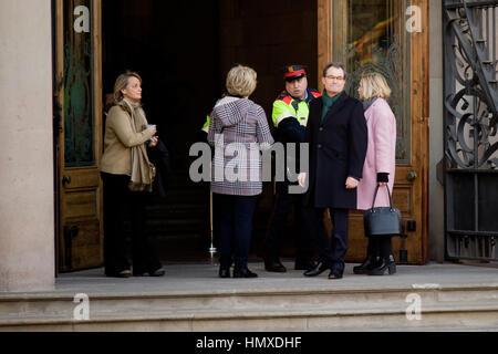 Barcelona, Catalonia, Spain. 6th Feb, 2017. Former Catalan President Artur Mas (second right), former Vice-president - Stock Photo