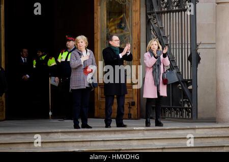 Barcelona, Catalonia, Spain. 6th Feb, 2017. Former Catalan President Artur Mas (C), former Vice-president Joana - Stock Photo