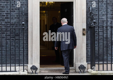 London, UK. 6th February, 2017. The Prime Minister of Israel Benjamin Netanyahu arrives at 10 Downing Street for - Stock Photo