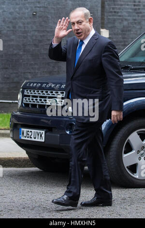 London, UK. 6th February, 2017. The Prime Minister of Israel Benjamin Netanyahu waves as he arrives at 10 Downing - Stock Photo
