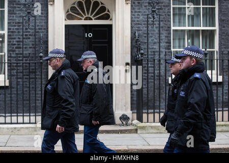 London, UK. 6th February, 2017. Security arrangements in and around Downing Street for the visit of the Prime Minister - Stock Photo