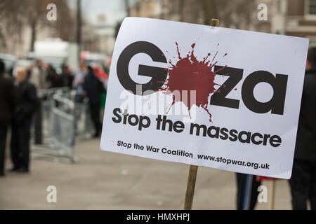 London, UK. 6th February, 2017. Placards used by pro-Palestinian activists protesting in Whitehall against the visit - Stock Photo