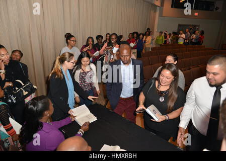 Miami, FL, USA. 06th Feb, 2017. Tracy Martin and Sybrina Fulton speak and Sign copies of their book 'Rest In Power: - Stock Photo