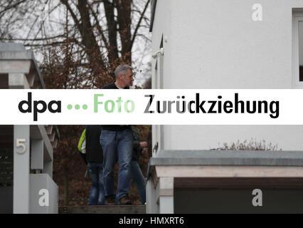 Kirchehrenbach, Deutschland. 07th Feb, 2017. ZURÜCKZIEHUNG - Sehr geehrte Kunden, bitte benutzen Sie das am 07.02.2017 - Stock Photo