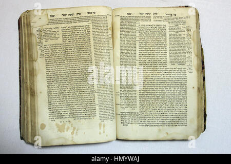 The first page of an old Mishna book of the Babylonian Talmud which is a central text of Rabbinic Judaism written - Stock Photo