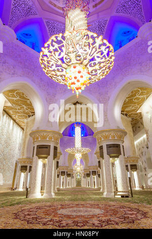 Interior of the Sheikh Zayed Grand Mosque. Abu Dhabi, United Arab Emirates, Middle East - Stock Photo