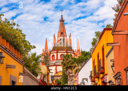 Aldama Street Parroquia Archangel church Dome Steeple San Miguel de Allende, Mexico. Parroaguia created in 1600s. - Stock Photo