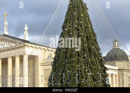 VILNIUS, LITHUANIA: The Cathedral and the Palace of the Grand Dukes of Lithuania on Cathedral Square with a Christmas - Stock Photo