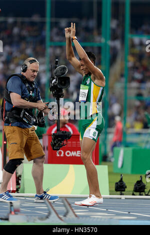 Rio de Janeiro, Brazil. 14 August 2016.  Athletics, Wayde Van Niekerk (RSA)  wins the gold in the men's 400m final - Stock Photo