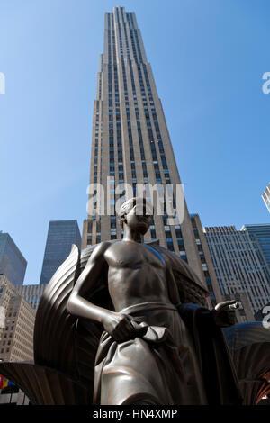 Prometheus statue outside the  Rockefeller center in Manhattan, New York - Stock Photo
