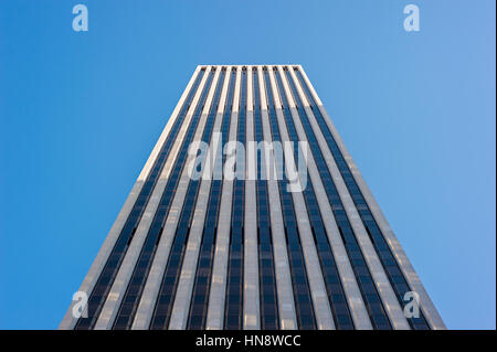 General Motors building and Apple Store on Fifth Avenue, New York - Stock Photo