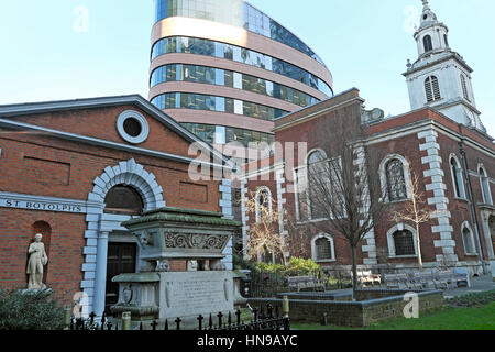 St. Botolph Without Bishopsgate Church & Church Hall near Liverpool Street Station in London EC2M UK  KATHY DEWITT - Stock Photo