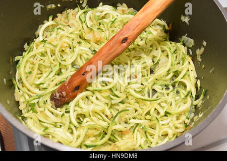 Organic spiralized courgette in a bowl - Stock Photo