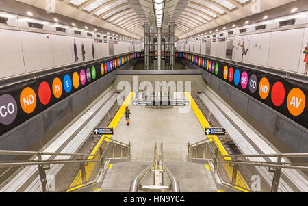 February 5, 2017: A staircase down to the new 72nd Street Q Train platform on the Second Avenue Subway line, New - Stock Photo