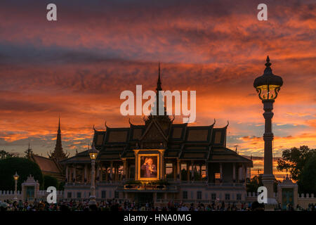 Moonlight Pavilion of the Royal Palace with portrait of King Norodom Sihanouk, sunset, dusk, Phnom Penh Province, - Stock Photo