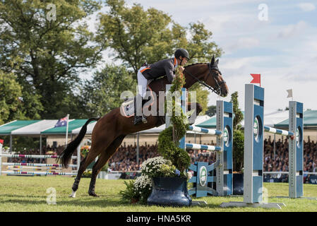 NOBILIS 18 (AUS) ridden by Christopher Burton on 04.09.2016. Burghley House Trials, Burghley, England. Land Rover - Stock Photo